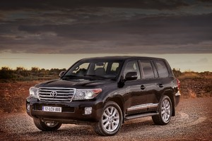 Первые снимки Toyota Land Cruiser 2016